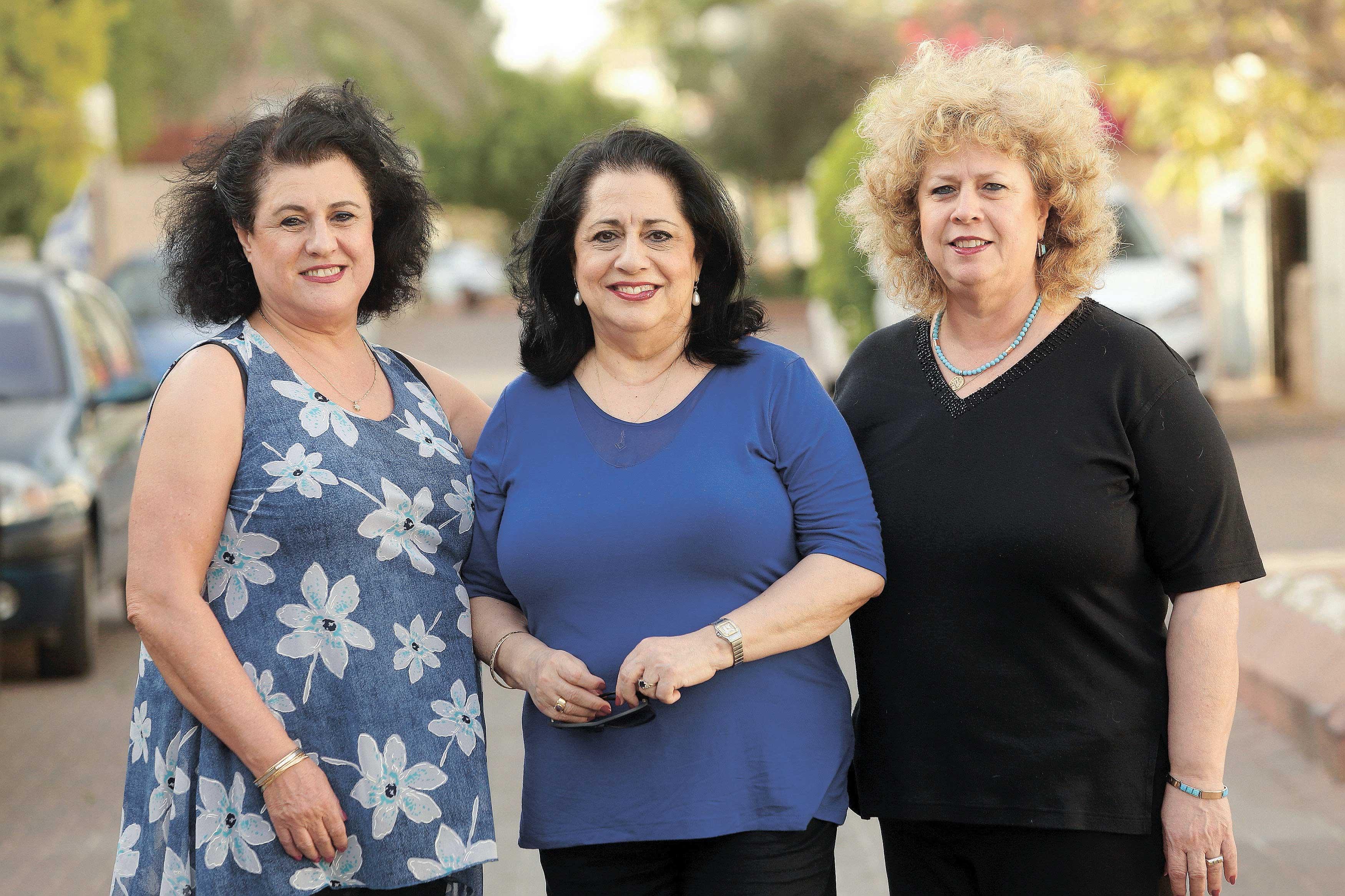 האחיות ועקנין צילום עזרא לוי