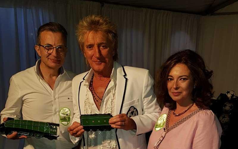 רוד סטיוארט עם ג'פרי וסוזי לוי והרכבת. צילום פטריק
