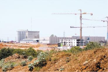 מפעל קניאל צילום עזרא לוי
