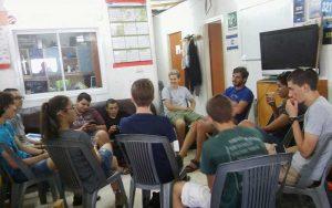 המפגש בין קבוצת הרובוטיקה של תיכון אביב עם בית הספר בירוחם. צילום פרטי