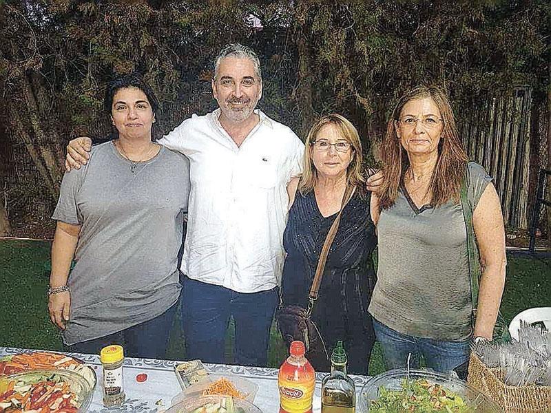 מימין לשמאל: אנה פוזמנטיר, דליה אטל, חיים ברוידא ויעל מולי. צילום: דוד חזרתי