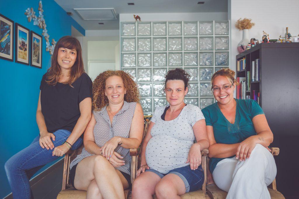 מימין לשמאל: מיכל ברש, יעל דניאלי, מאיה רוטמן, טלי דברת. צילום טלי דברת
