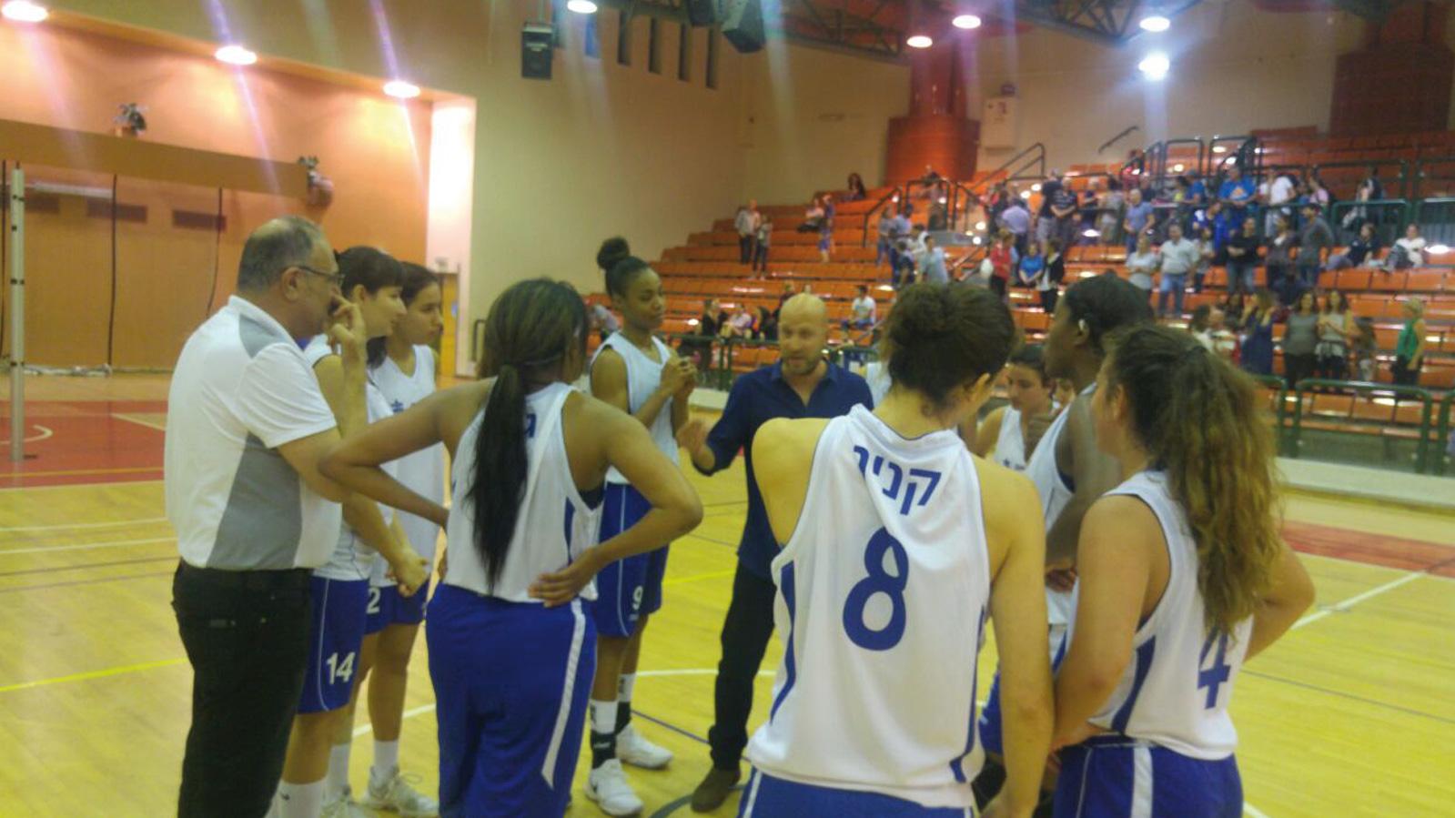 מכבי רעננה - כדורסל נשים.צילום חנה בית הלחמי