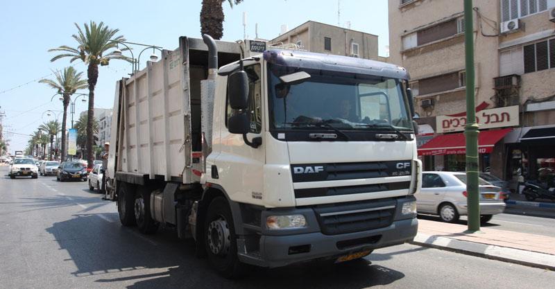 משאית. צילום עזרא לוי