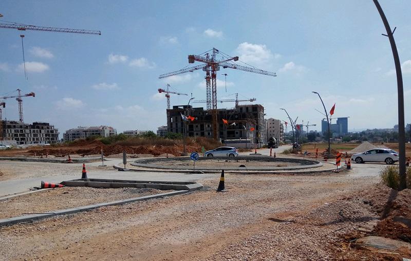 כיכר סשה ארגוב-אהוד מנור. צילום: דניאל סלגניק