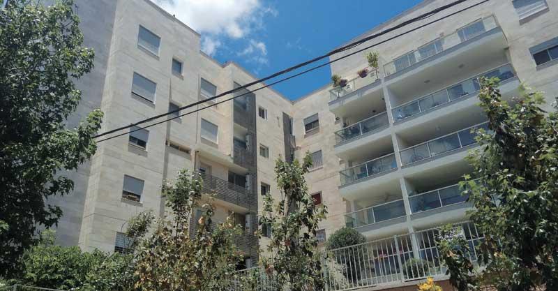 """הבניינים ברחוב החי""""יל 30-32. צילום: דניאל סלגניק"""