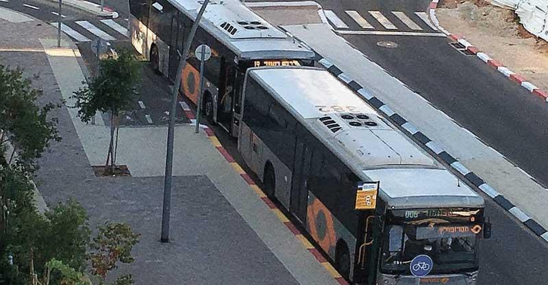 האוטובוסים שנכנסים לשכונת נווה זמר