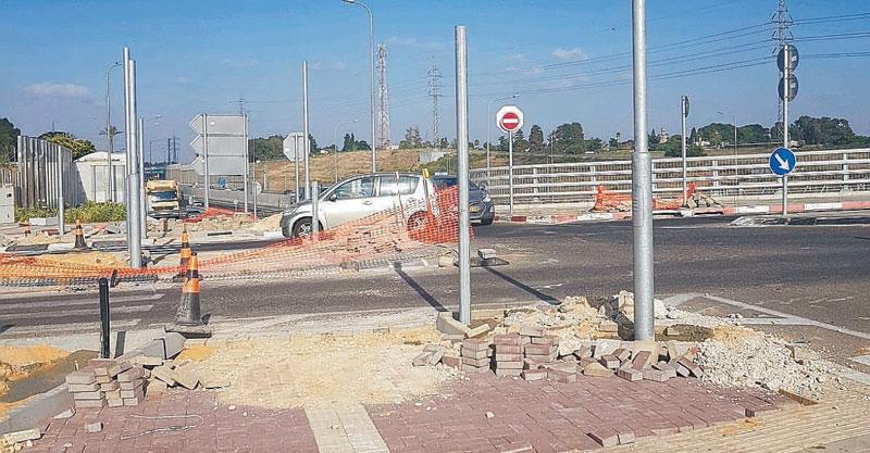 תשתיות הרמזור החדש במחלף בן גוריון. צילום נתיבי ישראל