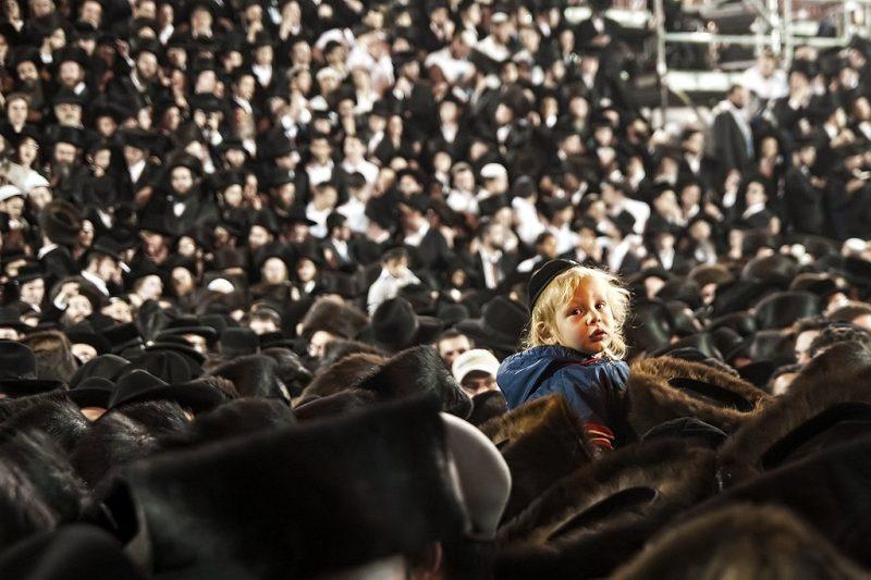 ים שחור עמוק תמונה דוקומנטירית מהילולת רבי שמעון בר יוחאי. קרדיט אורן כהן