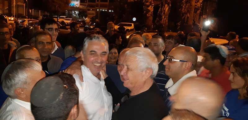 צפו: נציג משרד הפנים הכריז רשמית על ניצחונו של ברוידא