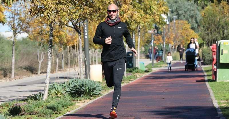 מרתוניסט ומאמן הריצה הרענני גווין קנינגצילום עזרא לוי