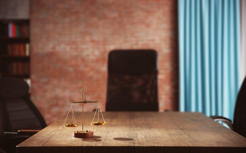 Les conséquences d'une construction réalisée sans permis légal. Credit: Shutterstock.com