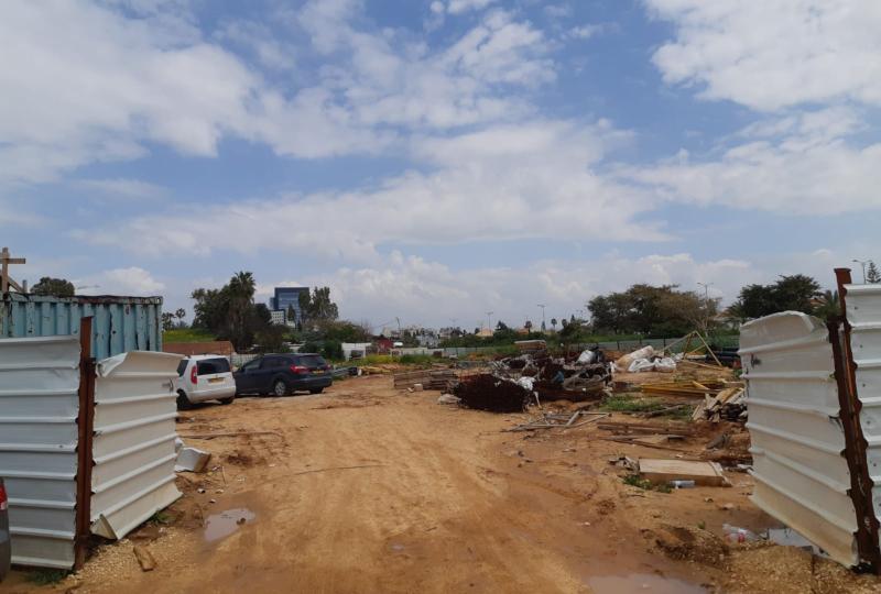 השטח הריק בו ייבנה פרויקט המגורים