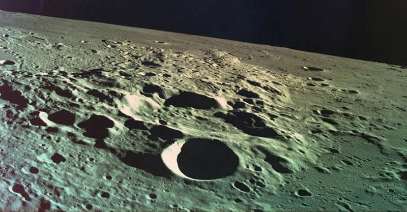 מתמקמים על הירח. צילום: רויטרס