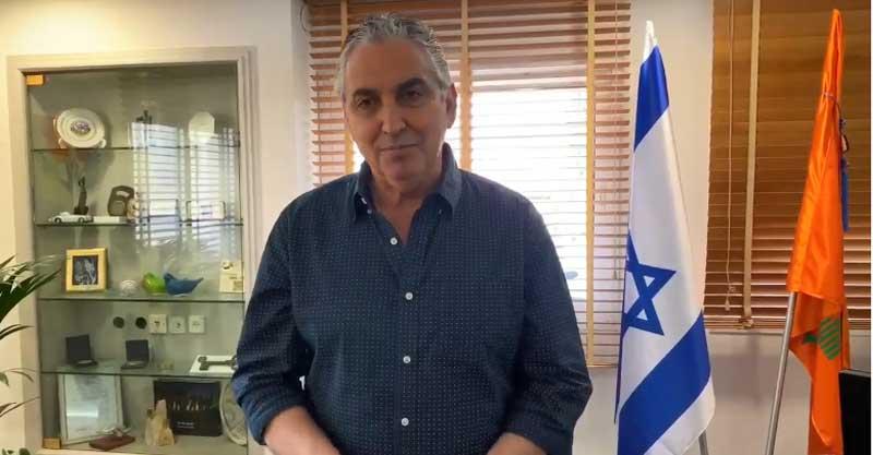 ראש עיריית רעננה, חיים ברוידא, קורא להימנע מהבערת מדורות. צילום: דוברות העירייה