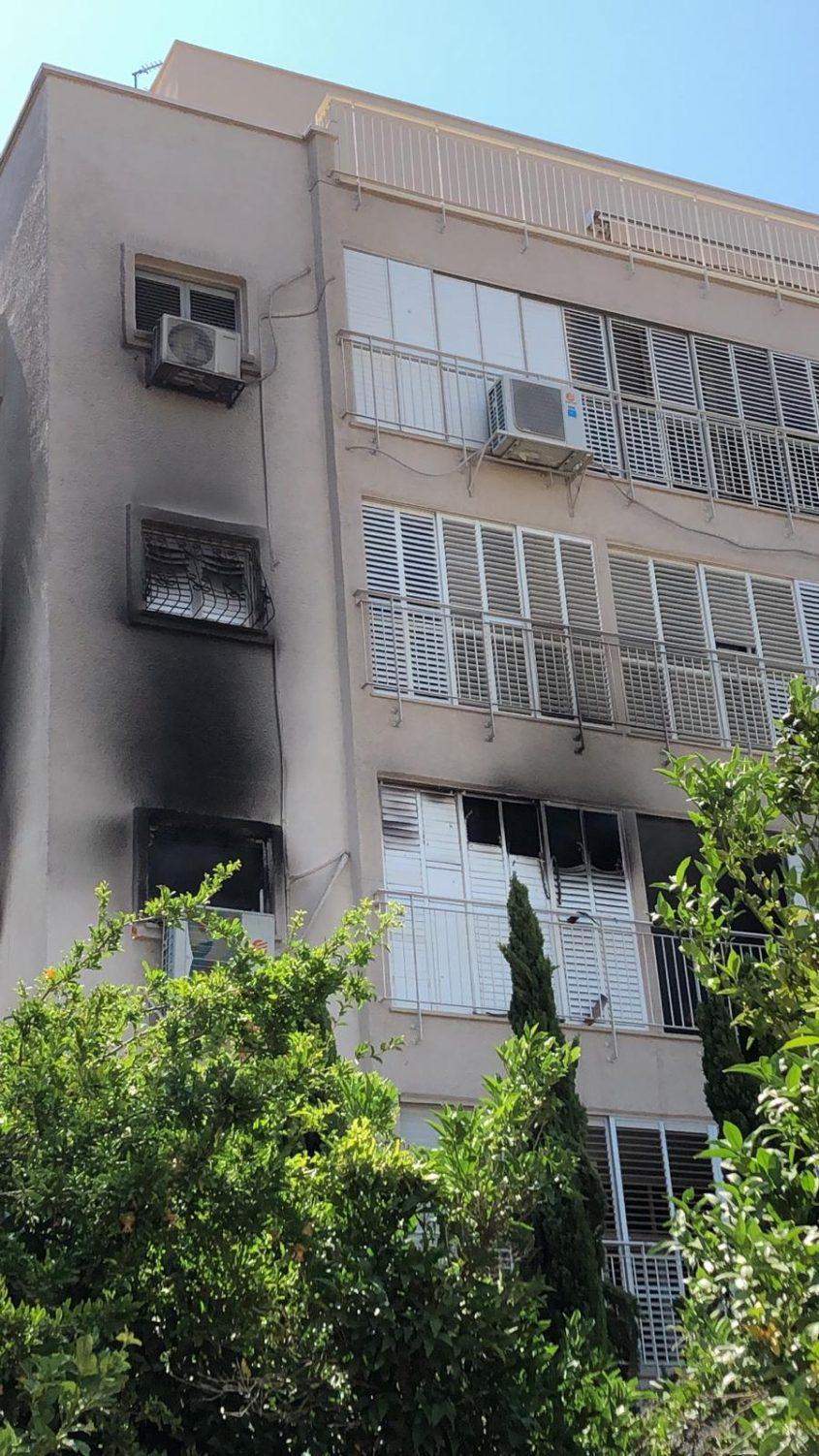 הדירה המפויחת ברחוב בורוכוב לאחר כיבוי האש
