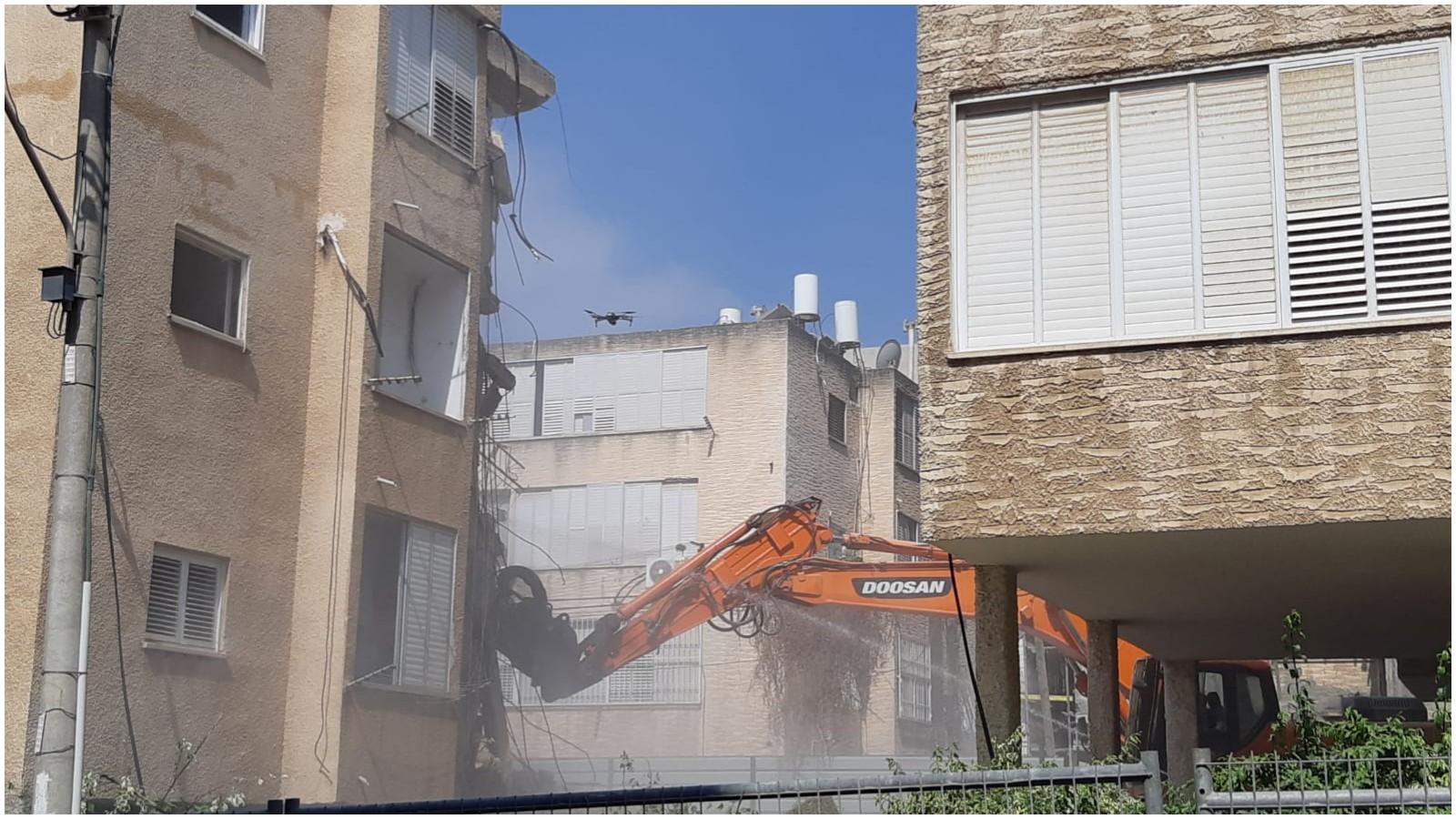 הריסת הבניין בארלוזורוב 18