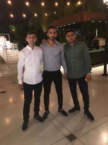 האחים. צילום עצמי