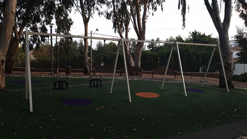 המתקן בגן פארק רסקו לאחר גניבת הנדנדה. צילום ליאור כהן