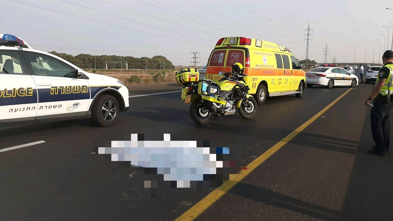 """זירת התאונה הבוקר באיילון צפון. צילום מד""""א"""