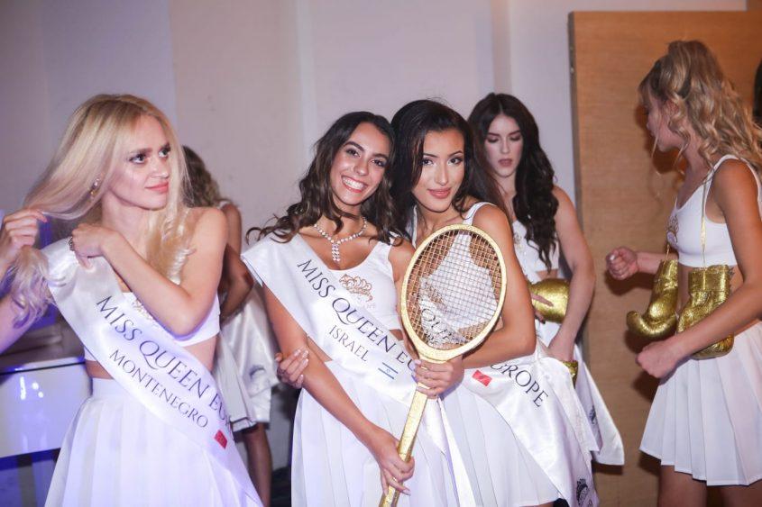 שובל הילה לבין בטקס מיס קווין אירופה. עיצוב השמלה: זואי בריידס. קרדיט צילום: פרטי