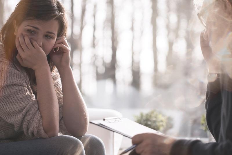טיפול בטיקים: ראיון עם מטפלים מומחים. צילום: Photographee.eu, Shutterstock