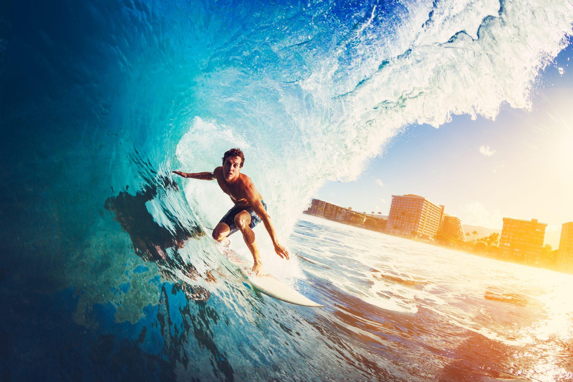 קורסי גלישה (Shutterstock) צילום: EpicStockMedia