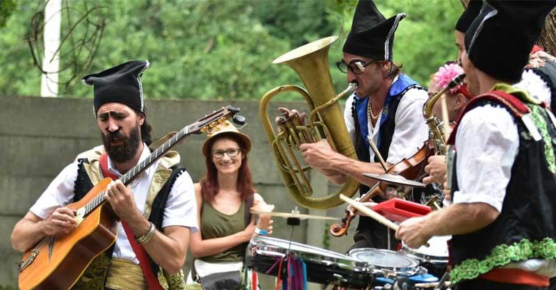 תזמורת כלי נשיפה שתשתתף בתהלוכה המוסיקלית ברחוב אחוזה