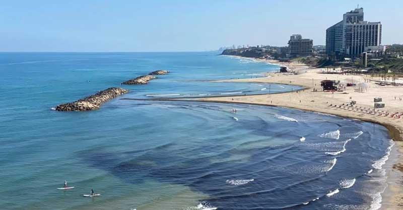 חוף אכדיה בהרצליה. צילום יונתן יעקובוביץ' (צילום ארכיון)