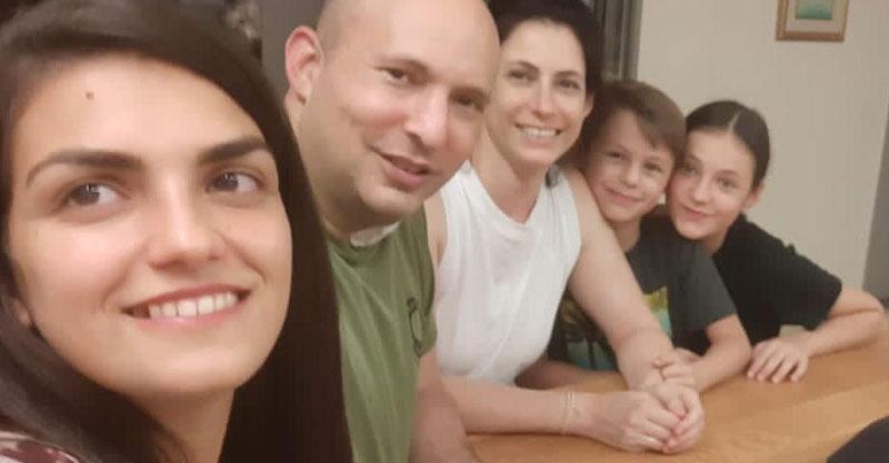 ליבנת גרין ומשפחת בנט צילום פרטי