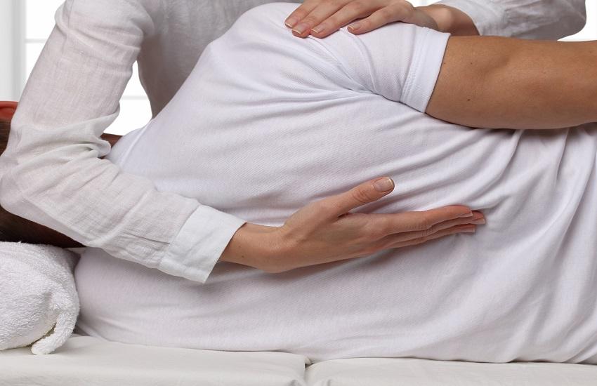 טיפול אוסטאופתיה (צילום: shutterstock)